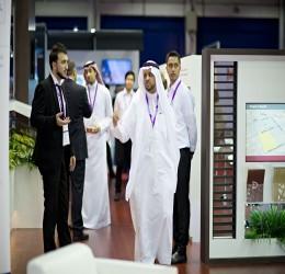 د. محمد مفرح خلال إدارة  معرض دبي 2015